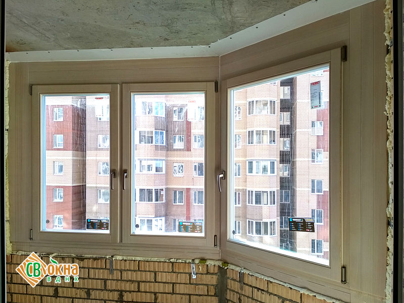 Деревянные евроокна из лиственницы в квартиру