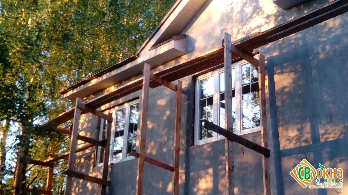 Деревянные окна с раскладкой в Звенигороде